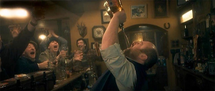 Фото №2 - Лучшие алкогольные фильмы, после которых хочется пить еще больше