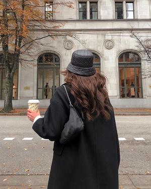 Фото №4 - Думаешь, какую полезную привычку выработать в новом году? Лови 5 привычек для стильного гардероба!
