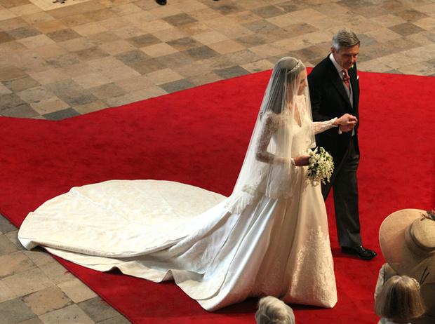 Фото №38 - Самые трогательные моменты королевских свадеб (о Гарри и Меган мы тоже не забыли)