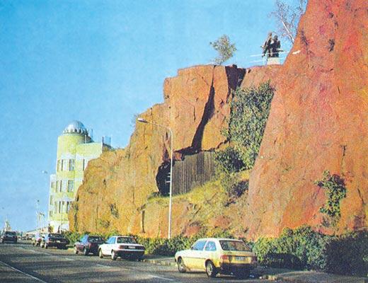 Фото №1 - «Пивное море» у красных скал