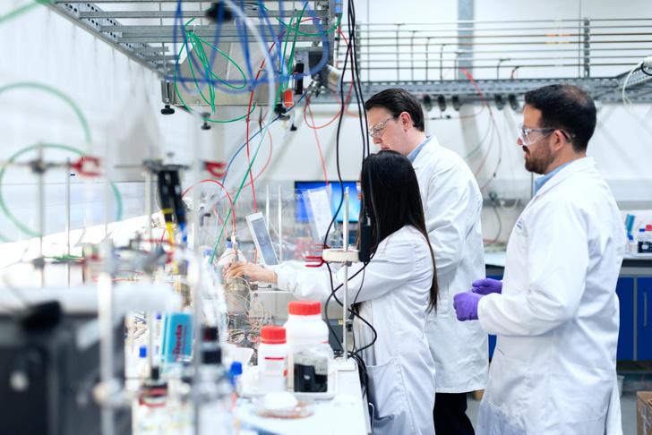 Российские генетики разрабатывают лекарство от ВИЧ, принтер ДНК и оживляют мумию