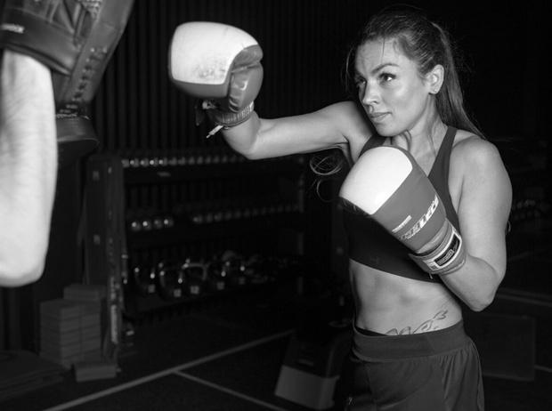 Фото №4 - Домашние тренировки: как заниматься спортом без инвентаря