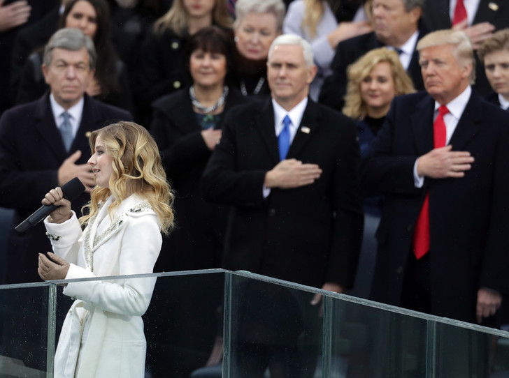 Фото №2 - Гимн для президента Трампа: кто такая певица Джеки Иванко