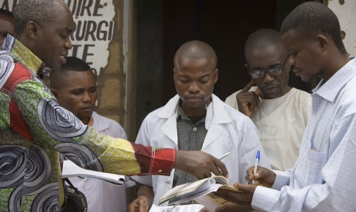 Фото №1 - Лихорадку Эбола оценили в 1 млрд долларов