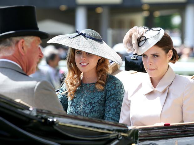 Фото №1 - Королевские лишения: в чем принц Чарльз отказал Евгении и Беатрис (и почему это несправедливо)