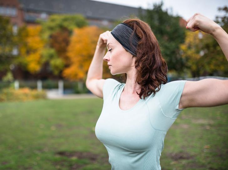 Фото №2 - Идеальная грудь без операций: советы, правила и предостережения