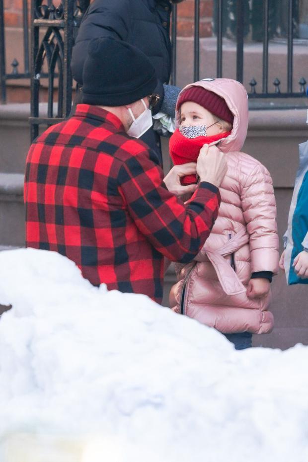 Фото №1 - Начните день с улыбки: самые милые снимки Брэдли Купера с дочерью Леей