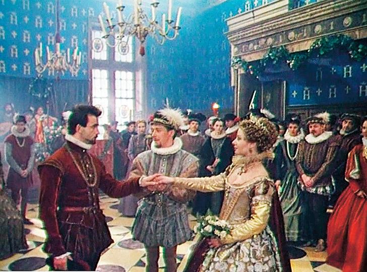 Фото №1 - «Королеве Марго»— 25: история костюмов, громкие скандалы и другие факты о сериале