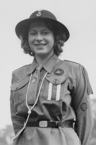 Фото №2 - Королева рассказала о военном рационе во дворце