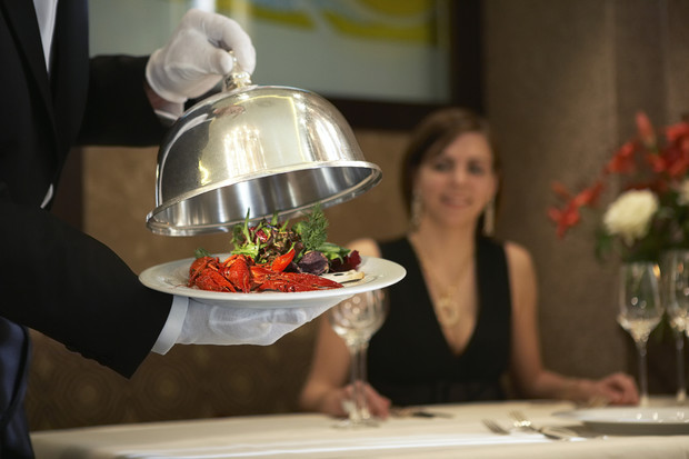 Фото №1 - 15 блюд, которые повар ни за что не станет есть в ресторане
