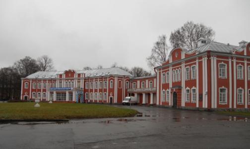Фото №1 - Больница Петра Великого возобновила прием ковидных пациентов