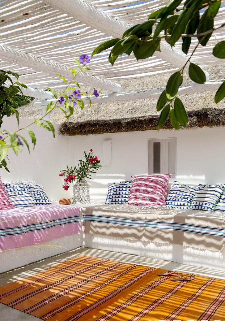 Фото №13 - Да будет цвет: 10 идей декорирования террасы