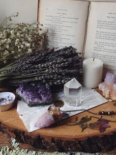 Фото №4 - Тест: Выбери ведьминскую атрибутику, и мы скажем, сколько в тебе процентов волшебства