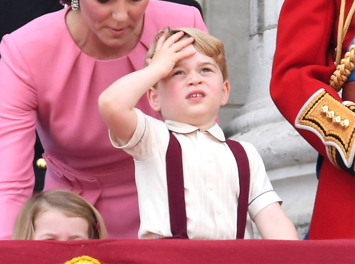 Фото №1 - Детские снимки принца Чарльза и Джорджа стали вирусными