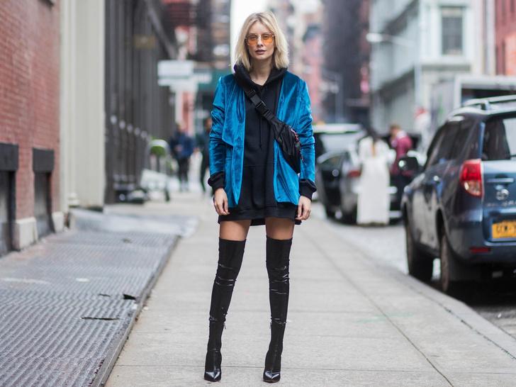 Фото №14 - С чем носить объемное худи: 8 стильных сочетаний с главной вещью года