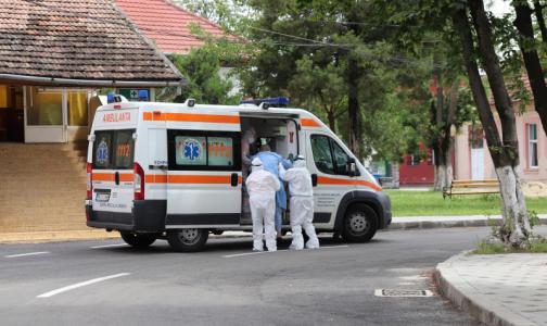 Фото №1 - Онищенко объяснил повторное заражение коронавирусом медика из Владимирской области