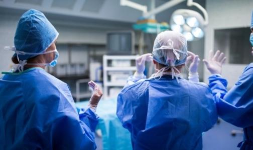 Фото №1 - В Петербурге впервые выполнили гибридную операцию при остром инсульте