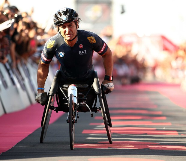 Фото №6 - Известный пилот и паралимпийский чемпион Алекс Дзанарди попал в страшную аварию. Опять…