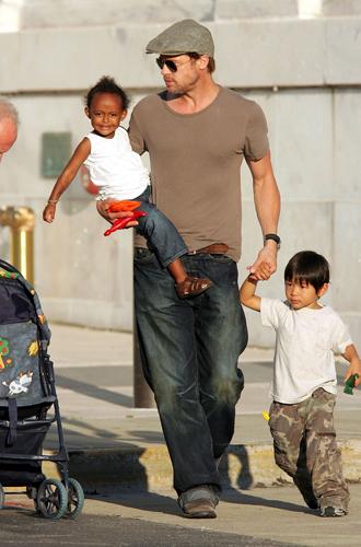 Фото №5 - Дети раздора: причина развода Анджелины Джоли и Брэда Питта