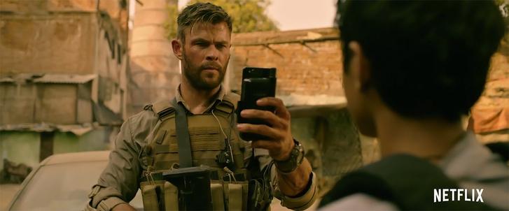 Фото №1 - «Эвакуация»: Крис Хемсворт в боевитом боевике от создателей «Мстителей» (трейлер)