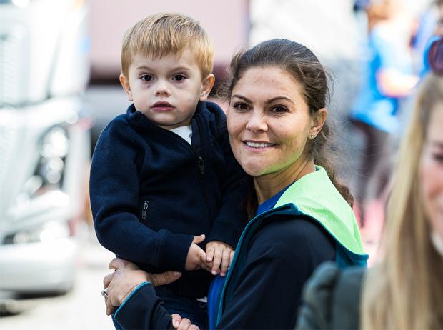 Фото №1 - Почему принц Джордж может позавидовать сыну кронпринцессы Виктории