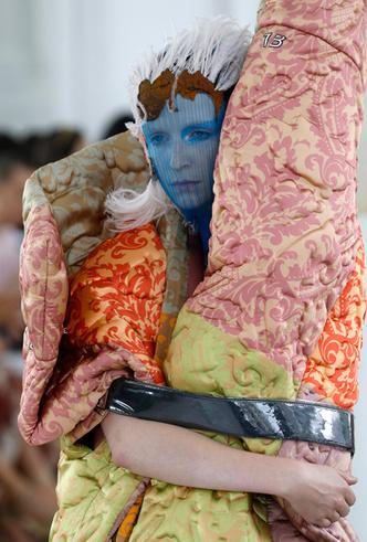 Фото №6 - Новое модное кредо Джона Гальяно