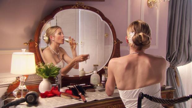 Фото №9 - 10 классных аксессуаров для волос из «Сплетницы», которые можно и нужно использовать сейчас
