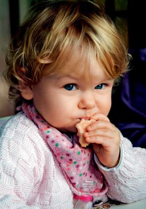 Фото №1 - Детское печенье: учимся жевать
