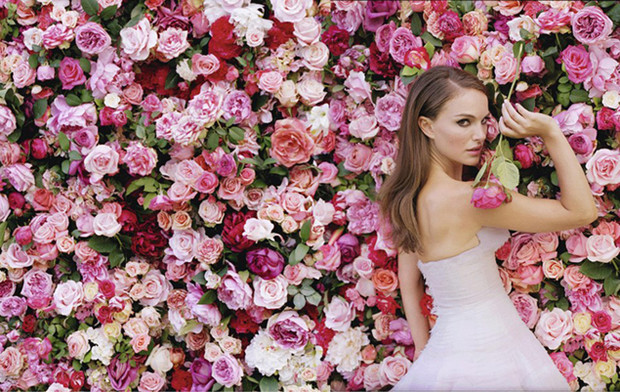 Фото №20 - Miss Dior Absolutely Blooming: аромат с легендарной историей