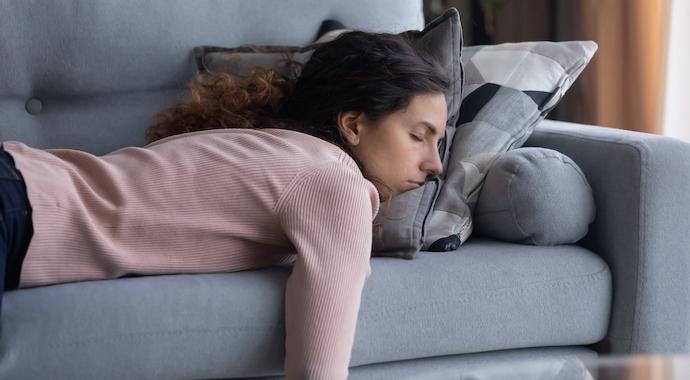 Муж возмущен тем, что после ночной смены на работе жена хочет спать днем