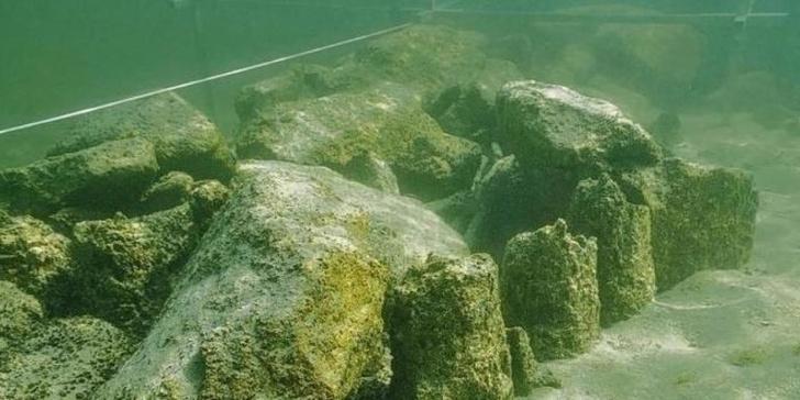 Фото №1 - В Европе найден подводный Стоунхендж