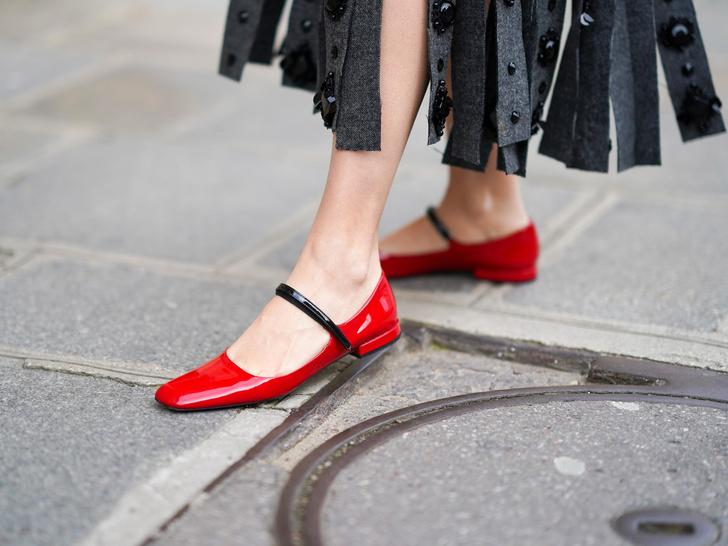 Фото №2 - Без боли и страданий: как быстро разносить новую обувь