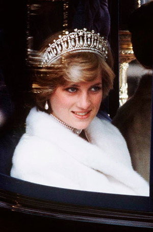 Фото №9 - Секреты придворных ювелиров: кто и как создает украшения для Королевы и ее семьи