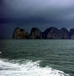 Фото №1 - Судно с иностранными туристами опрокинулось у берегов Таиланда