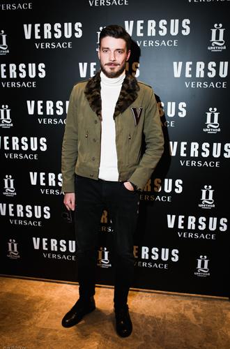 Фото №8 - Ирина Шейк и другие звезды на открытии первого корнера Versus Versace в «Цветном»