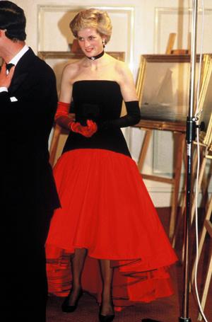 Фото №65 - 70 красных нарядов: как принцесса Диана носила любимый цвет