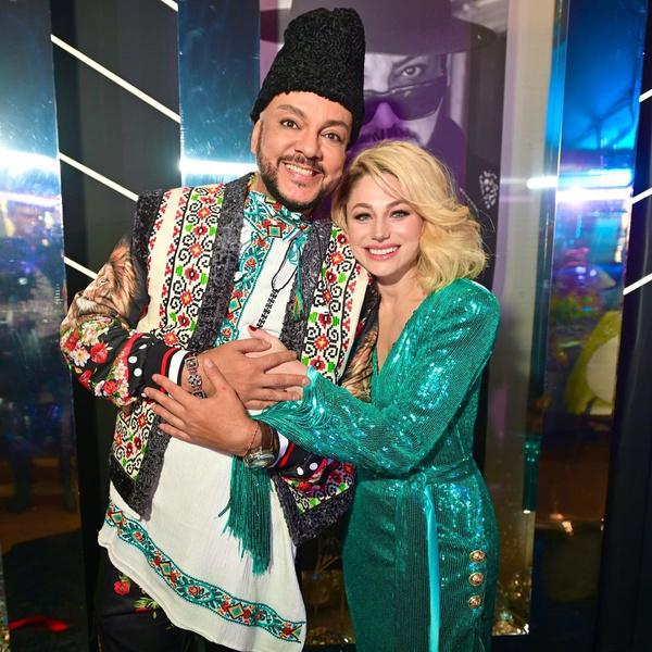 Фото №1 - Киркоров возмутил назойливым поведением на открытии «Евровидения»