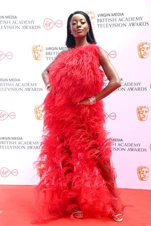 Фото №3 - Пол Мескал, Никола Кохлан, Хелена Бонэм Картер и другие гости церемонии BAFTA-2021