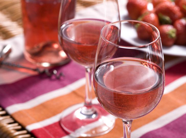 Фото №1 - Pink of perfection: полный гид по розовому вину