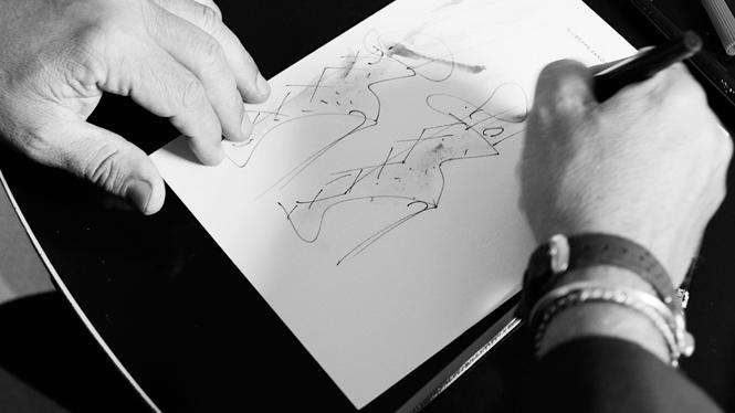 Фото №5 - Художник и его муза: капсульная коллекция Джузеппе Занотти и Дженнифер Лопес
