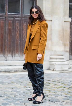 Фото №2 - Босс не будет против: как носить кожаные вещи в офис