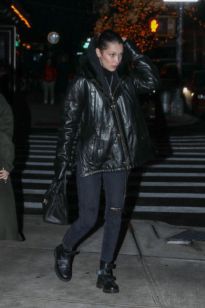 Фото №3 - Wear Black: что делать, чтобы черные джинсы не выцветали