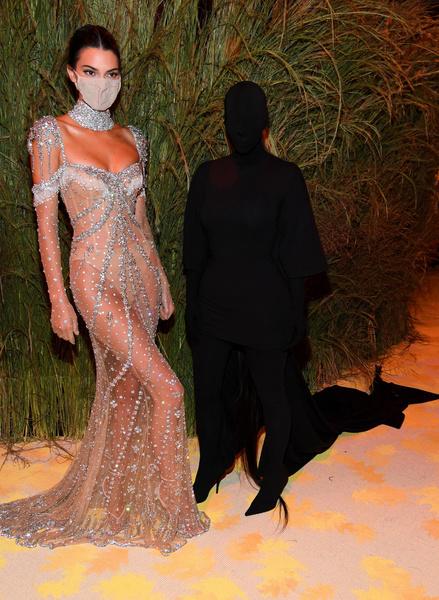 Фото №2 - Что на самом деле значит образ Ким Кардашьян для Met Gala 2021