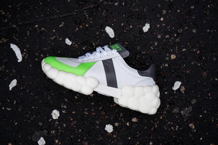 Фото №1 - Топ-5 кроссовок из переработанных материалов