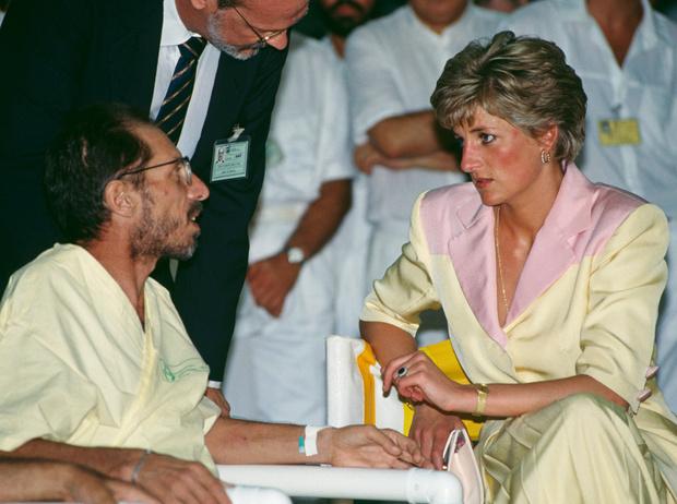 Фото №10 - Немецкие СМИ признали Кейт Миддлтон второй принцессой Дианой