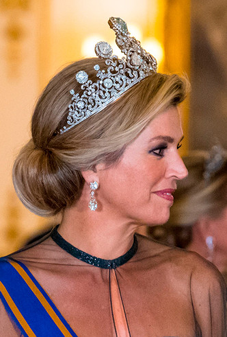 Фото №5 - Парад тиар в Букингемском дворце (и самая большая – у королевы Максимы)