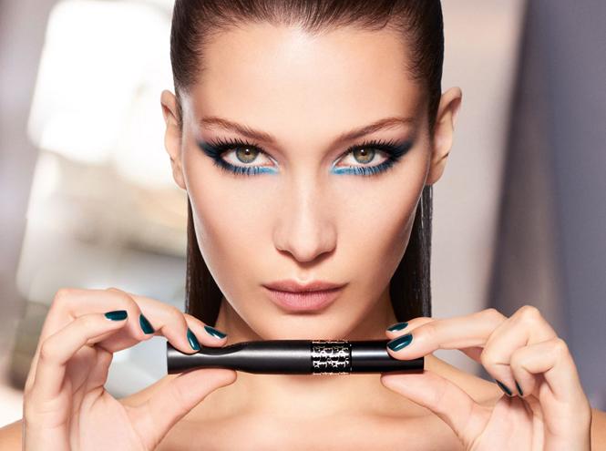 Фото №5 - Она вернулась: сине-голубая гамма в макияже глаз