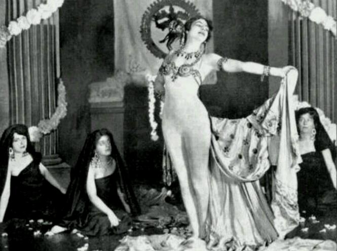 Фото №11 - Женщина-загадка: 5 истинных причин «бессмертия» Маты Хари
