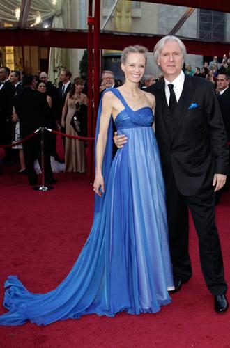 Фото №27 - Мода из отходов: звезды и дизайнеры, выбирающие эко-одежду