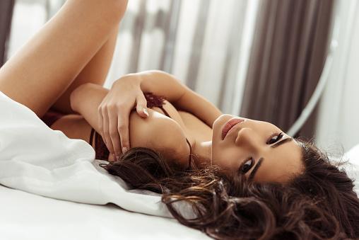 Фото №4 - Чего хочет женщина: 9 фактов о сексуальном желании